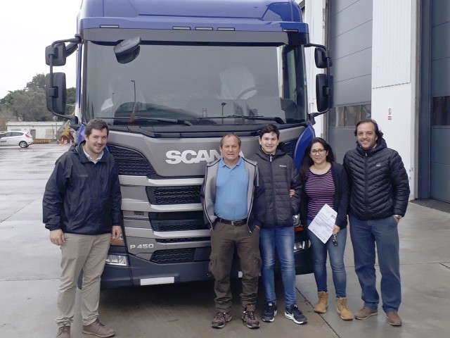 SCANIA - Washington Revetria e Hijos.